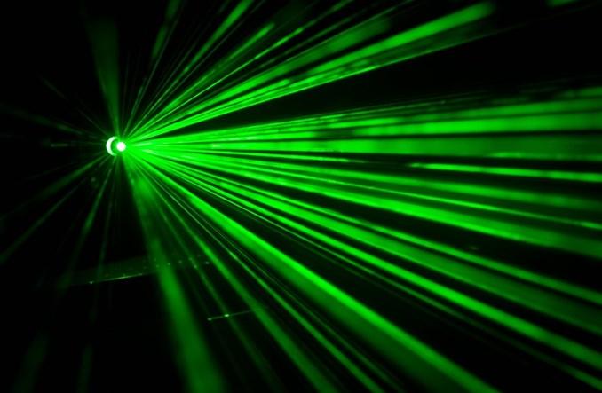 Laser to nie zabawka. Rusza kampania Urzędu Lotnictwa Cywilnego