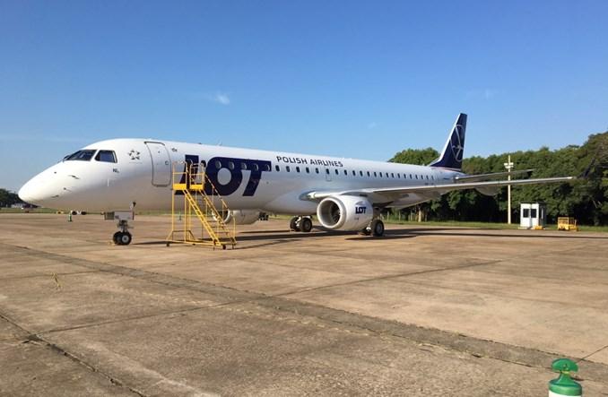 LOT: Pierwszy z sześciu zamówionych Embraerów już obsługuje połączenia
