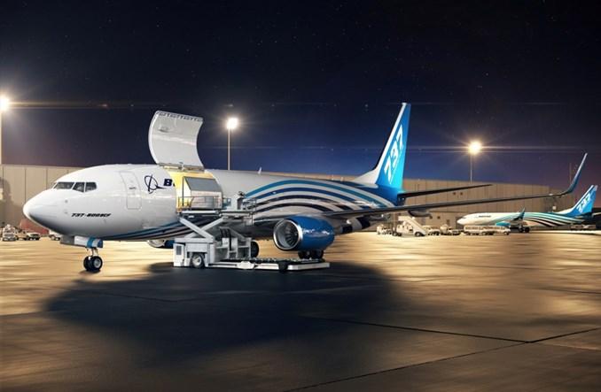 Boeing 737-800 w wersji cargo z certyfikatem