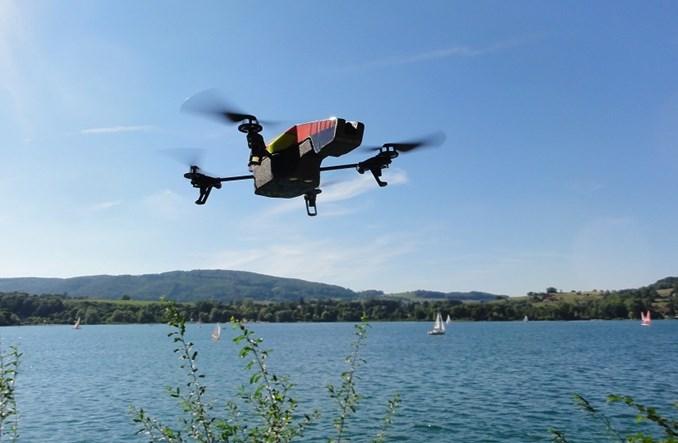 Autonomiczne drony z wieloma kamerami będą zarządzały obiektami cywilnymi i wojskowymi