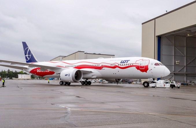 LOT: Samoloty w patriotycznym malowaniu wylądują na Okęciu w tym tygodniu
