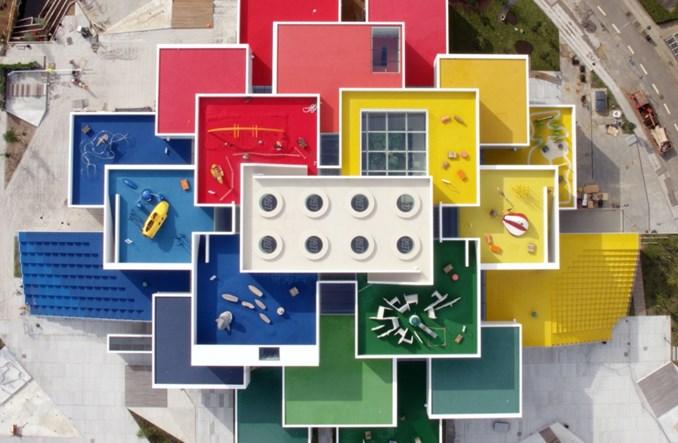 LOT: Ruszyły połączenia do Billund, miasteczka Lego