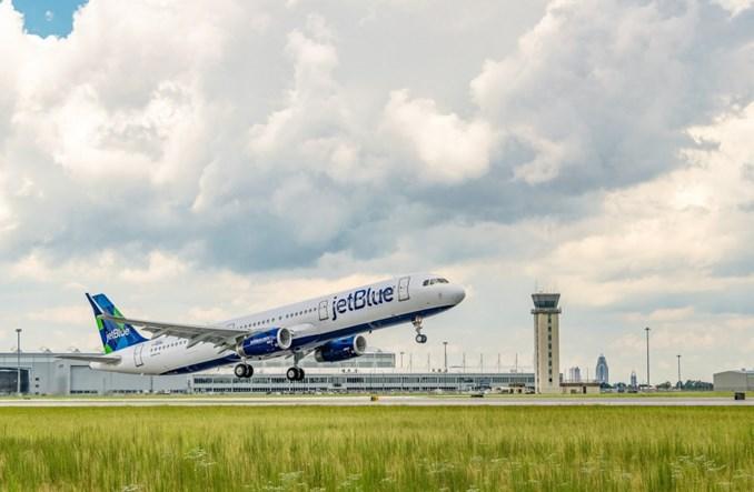 Pierwszy Airbus wyprodukowany w USA poleciał na biopaliwach