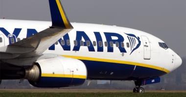 """Zamknięcie baz Ryanaira """"zapowiedzią wojny"""" dla związków"""