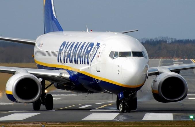 """Szef Ryanaira twierdzi, że linie lotnicze już płacą """"karne"""" podatki za emisję CO2"""
