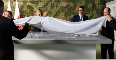 Jaskółka, Afryka i głupia decyzja – politycy o lotnisku w Radomiu