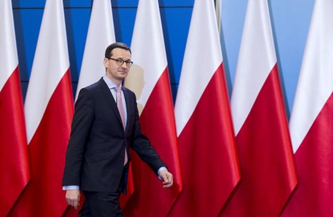 Polska przywraca granice. Lotnicze i kolejowe połączenia międzynarodowe wstrzymane