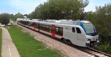 Nowa kolej na lotnisko Dallas/Fort Worth ruszy za darmo