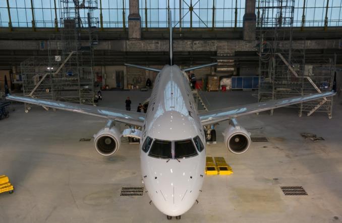 LOT: Drugi samolot w malowaniu Star Alliance