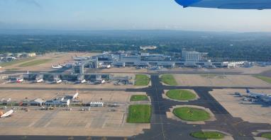 Jest zgoda KE na przejęcie lotniska Gatwick przez Vinci Airports