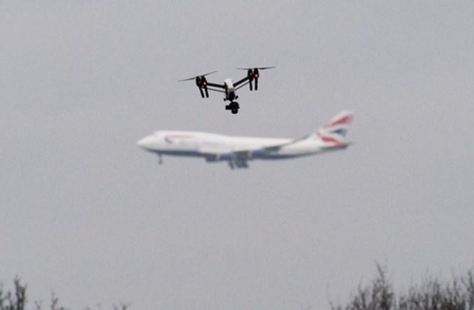 Wielka Brytania inwestuje w systemy antydronowe na lotniskach