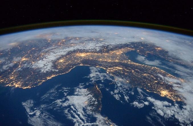 W Polsce powstają kosmiczne laboratoria bazujące na nanosatelitach