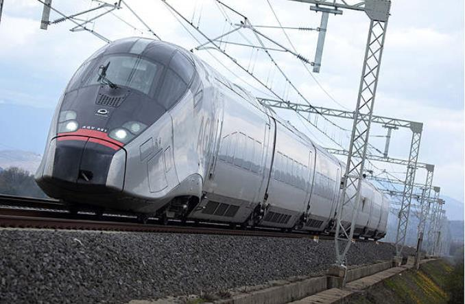 Dziewięć firm chce zaprojektować z PKP Intercity pociągi do obsługi CPK