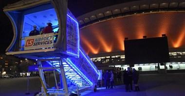 Poczuj się jak na płycie lotniska. Wyjątkowe schody w centrum Katowic