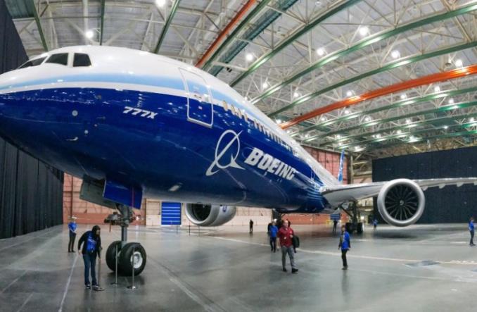 Boeing bez rozgłosu zaprezentował B777X (zdjęcia)