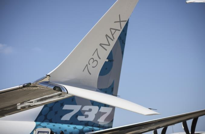 Bloomberg: Boeing 737 MAX ma problemy z autopilotem