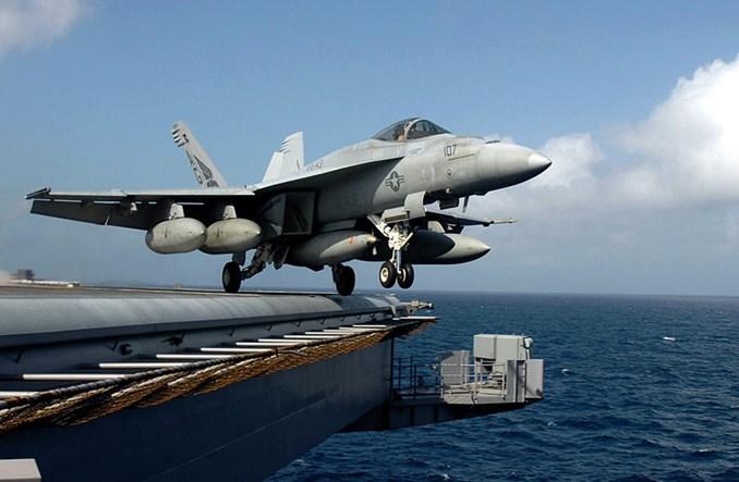 Boeing z kontraktem zbrojeniowym