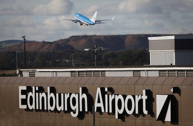 Blisko sprzedaży lotniska w Edynburgu?
