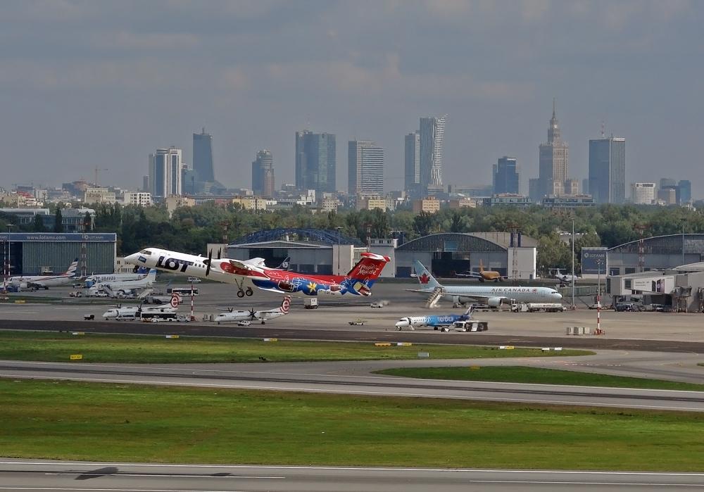 Jest nowe rozporządzenie Rady Ministrów. Obostrzenia dotkną transport lotniczy