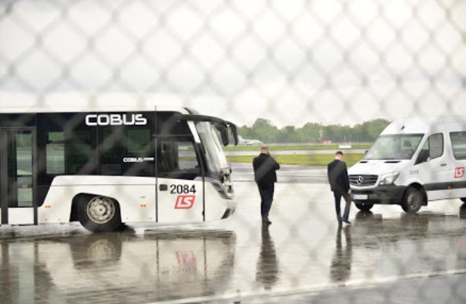 Kierowcy lotniskowi o swojej pracy