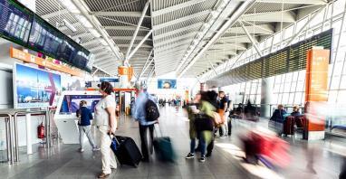 Lotnisko Chopina: Monitorujemy sytuację. Chiński wirus na razie niegroźny?