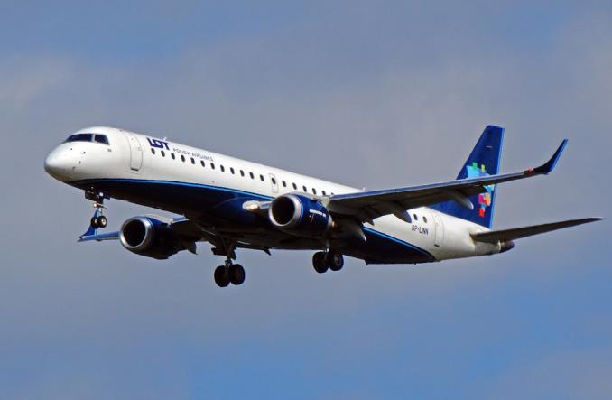 LOT: Leasing odpowiedzią na uziemienie 737 MAX