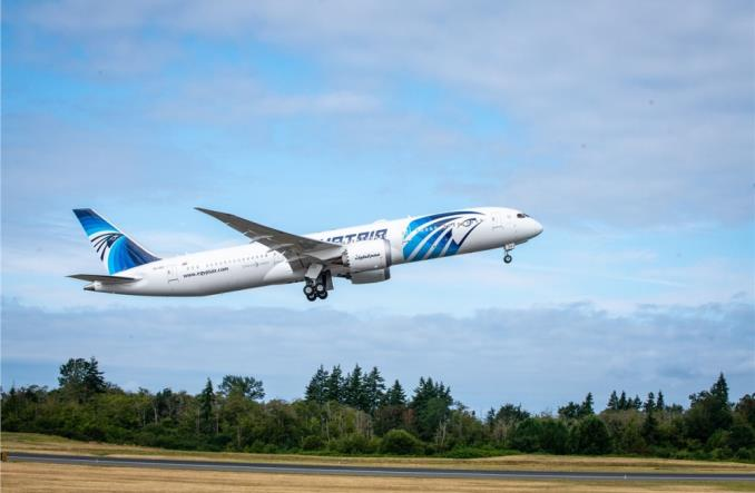 Dreamliner EgyptAir poleci bezpośrednio z Sydney do Kairu