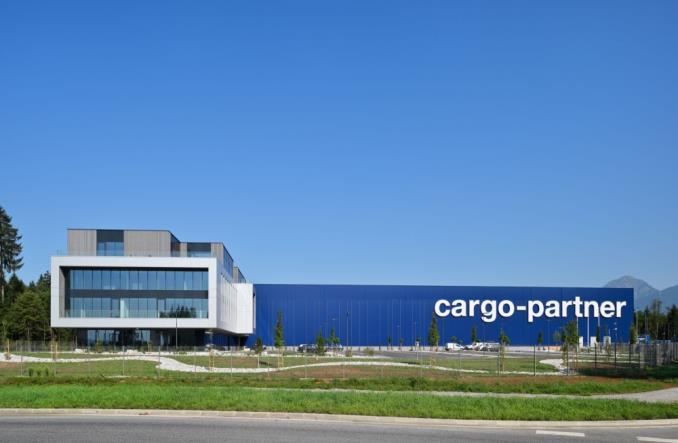 Port lotniczy w Lublanie wzbogacił się o regionalne centrum logistyczne