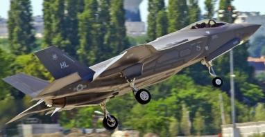 MON: 4,6 mld dolarów na zakup 32 myśliwców F-35