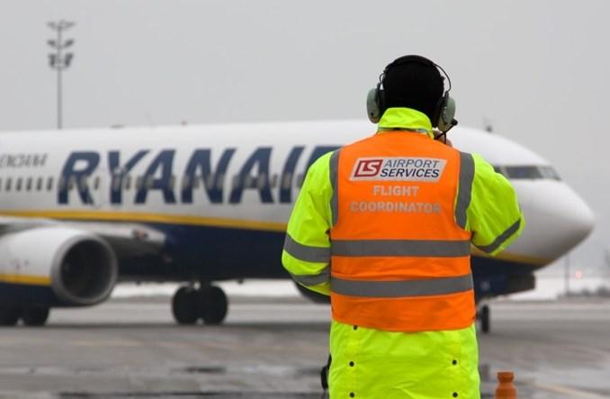 Praca w branży lotniczej – potrzeba więcej młodych pracowników