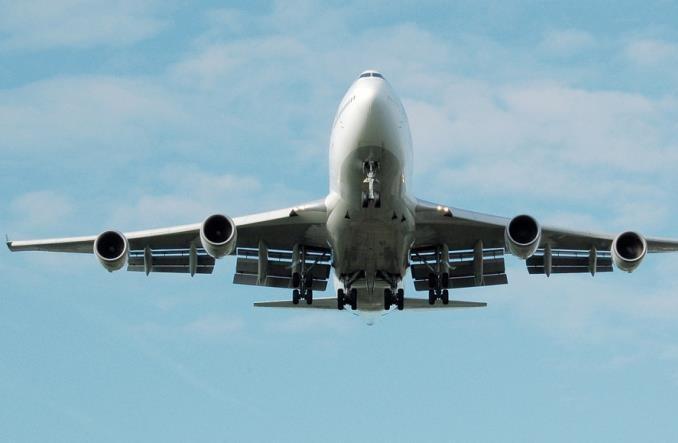 Wiceminister rozwoju: Od 1 października pozytywne zmiany w zakazie lotów