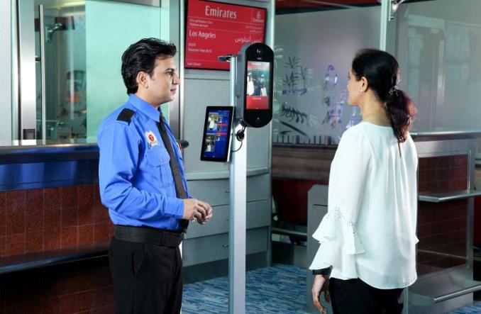 Emirates wprowadzają identyfikację biometryczną przed wejściem na pokład