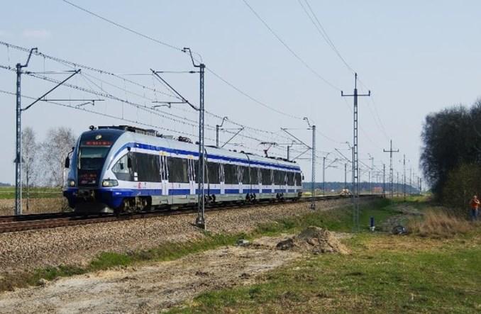 Zespoły trakcyjne ED74 przewiozą pasażerów z Warszawy na radomskie lotnisko?