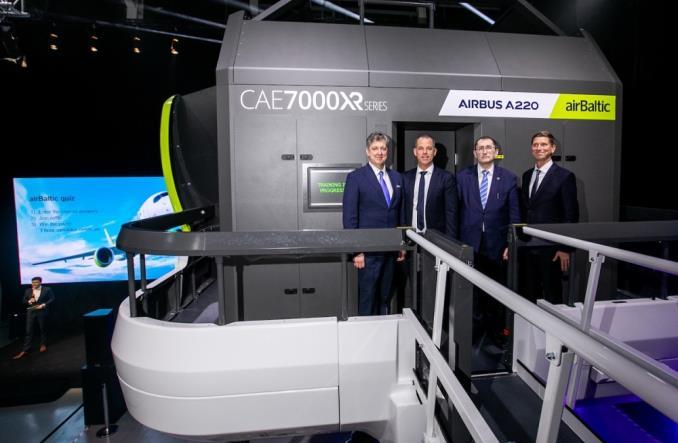airBaltic zaprezentował najnowszy symulator A220 (Zdjęcia)