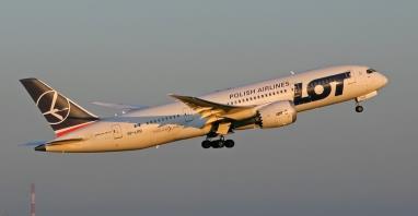 LOT: SP-LRB i SP-LRD poleciały na przegląd do Emiratów