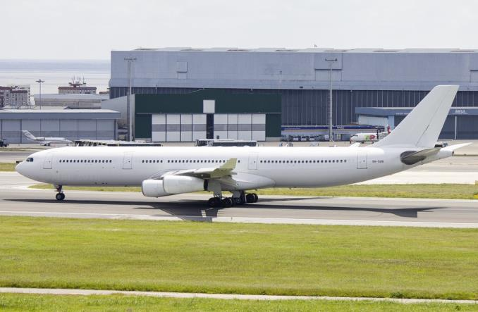 LOT: Cztery Dreamlinery uziemione, jeden na przeglądzie. Są za to trzy A340