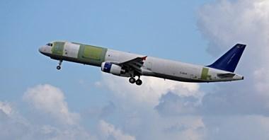 Dziewiczy oblot A321P2F
