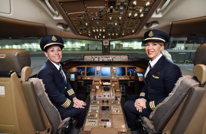 Emirates: Doceniamy kobiety, które mierzą wysoko w lotnictwie