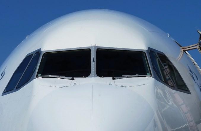 Linie lotnicze z Azji apelują o zawieszenie ograniczeń podróżowania
