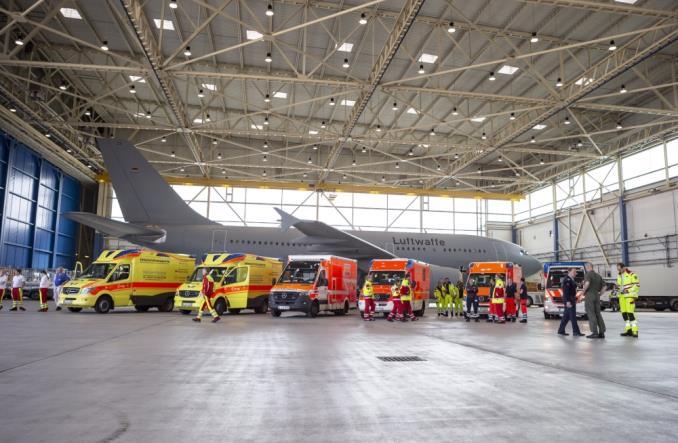 Koronawirus. A310 Luftwaffe przewozi chorych Włochów do Niemiec