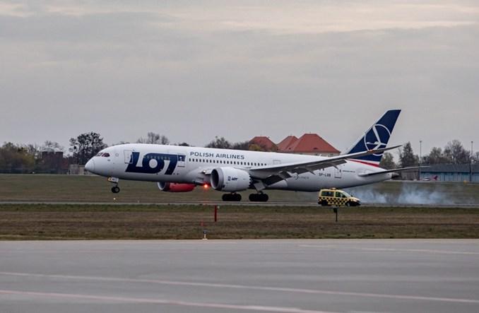 Dreamliner ze sprzętem medycznym od Dominiki Kulczyk dotarł do Polski