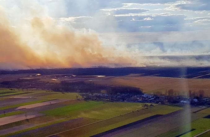 172 bomby wodne i 145 godzin w powietrzu – podsumowanie gaszenia pożarów nad Biebrzą przez samoloty Airbus Poland