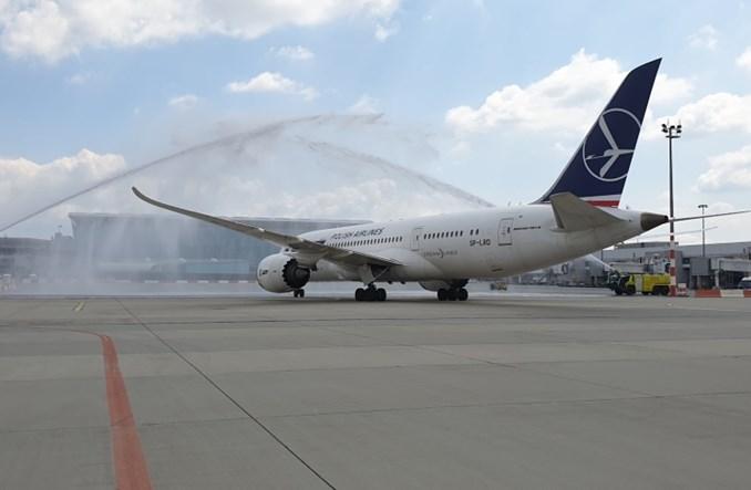 LOT: Wystartował pierwszy po pandemii samolot z Budapesztu do Seulu