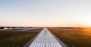 Lotniska regionalne: Niespełna 5 mln podróżnych w I półroczu 2020
