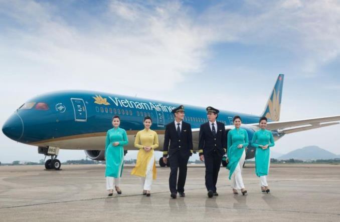 Vietnam Airlines redukują wynagrodzenia załóg o połowę i proszą rząd o pilną pomoc