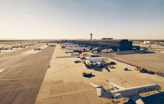 Austrian Airlines i wiedeński port wdrożyły szybkie testy na COVID-19
