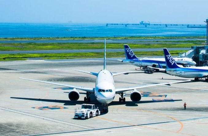 IATA: Przychody linii lotniczych w 2021 roku spadną niemal o połowę