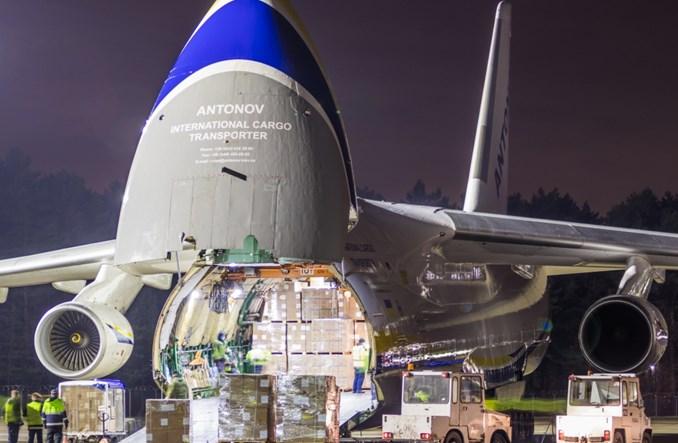 Rusłan z produktami medycznymi w Katowice Airport (Zdjęcia)