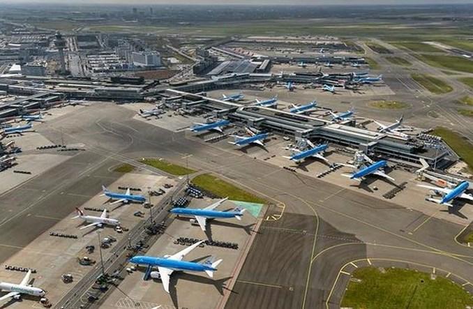 Amsterdam: Spadek liczby podróżnych o 83 proc. Duży wzrost cargo