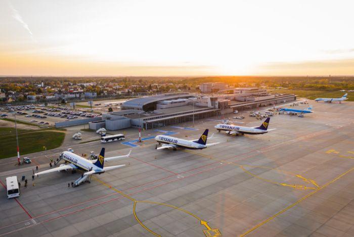 Trudna sytuacja lotniska Poznań-Ławica. Większość przychodów na odszkodowania